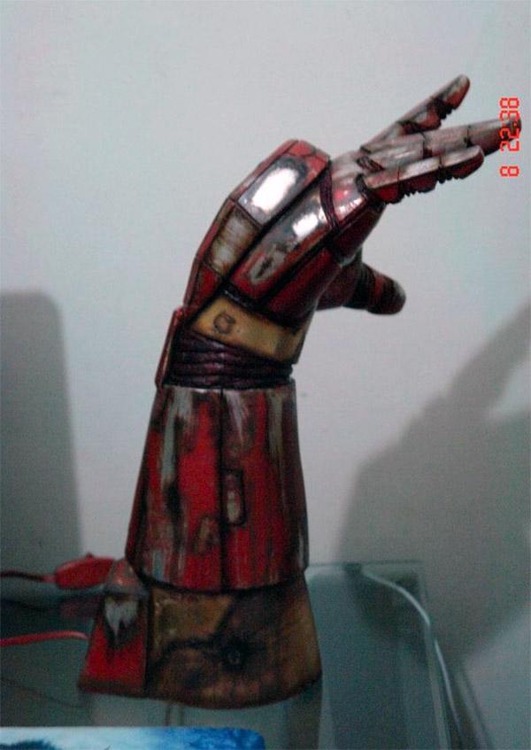Iron Man Hand Repulsor Lamp 2