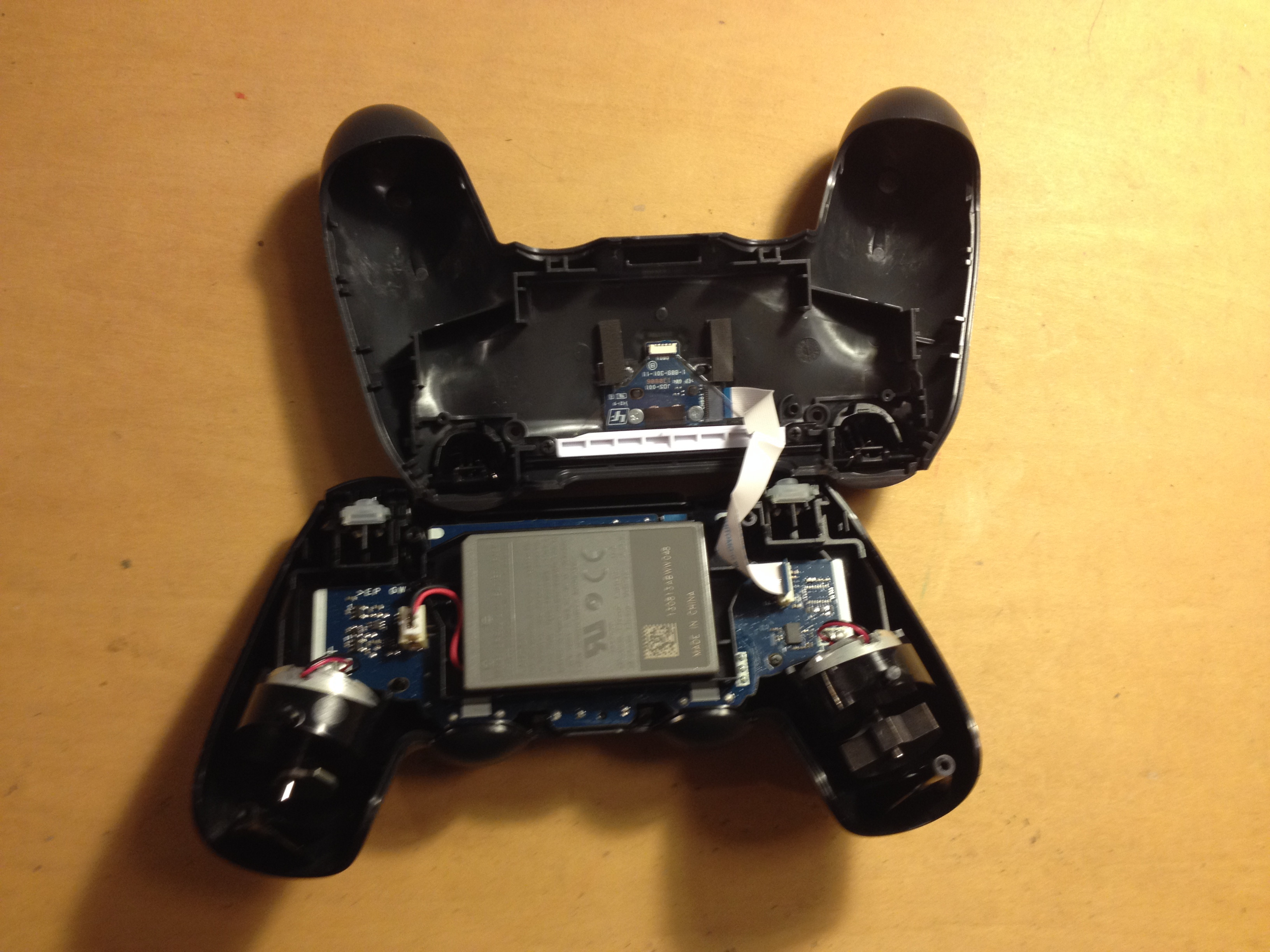 Building the friday the 13th playstation 4 controller for Housse manette ps4