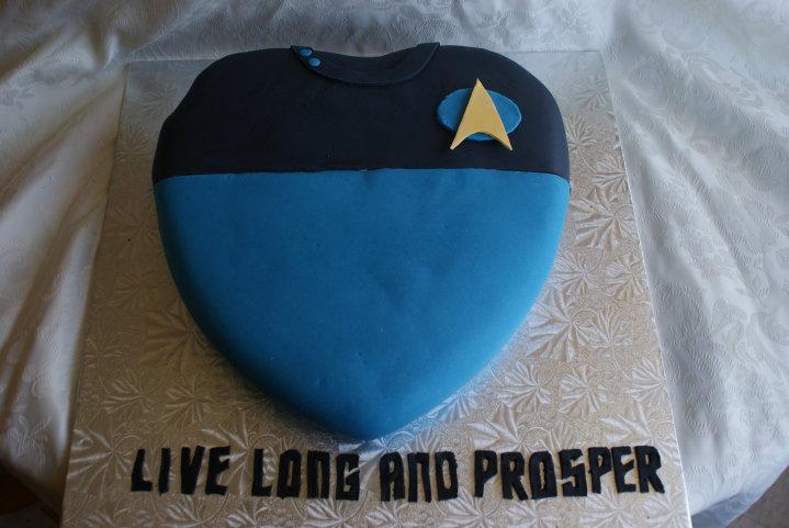Star-Trek-Valentines-Day-cake-2.jpg