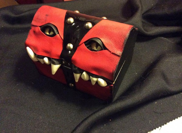 fantasy-monster-boxes-leather-fine-line-workshop-mellie-z-12-600x440