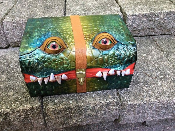fantasy-monster-boxes-leather-fine-line-workshop-mellie-z-21-600x448